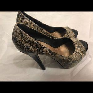 Pump heels shoes